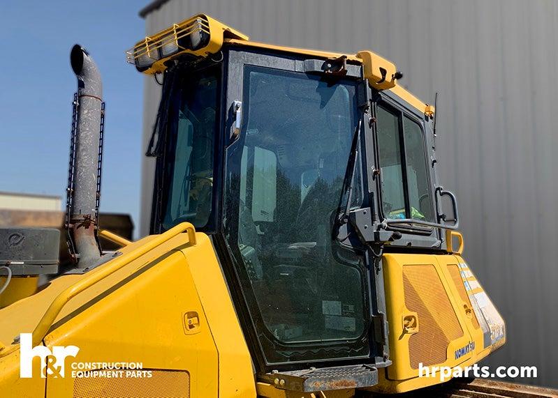 Komatsu D51PX-22 crawler tractor for salvage.