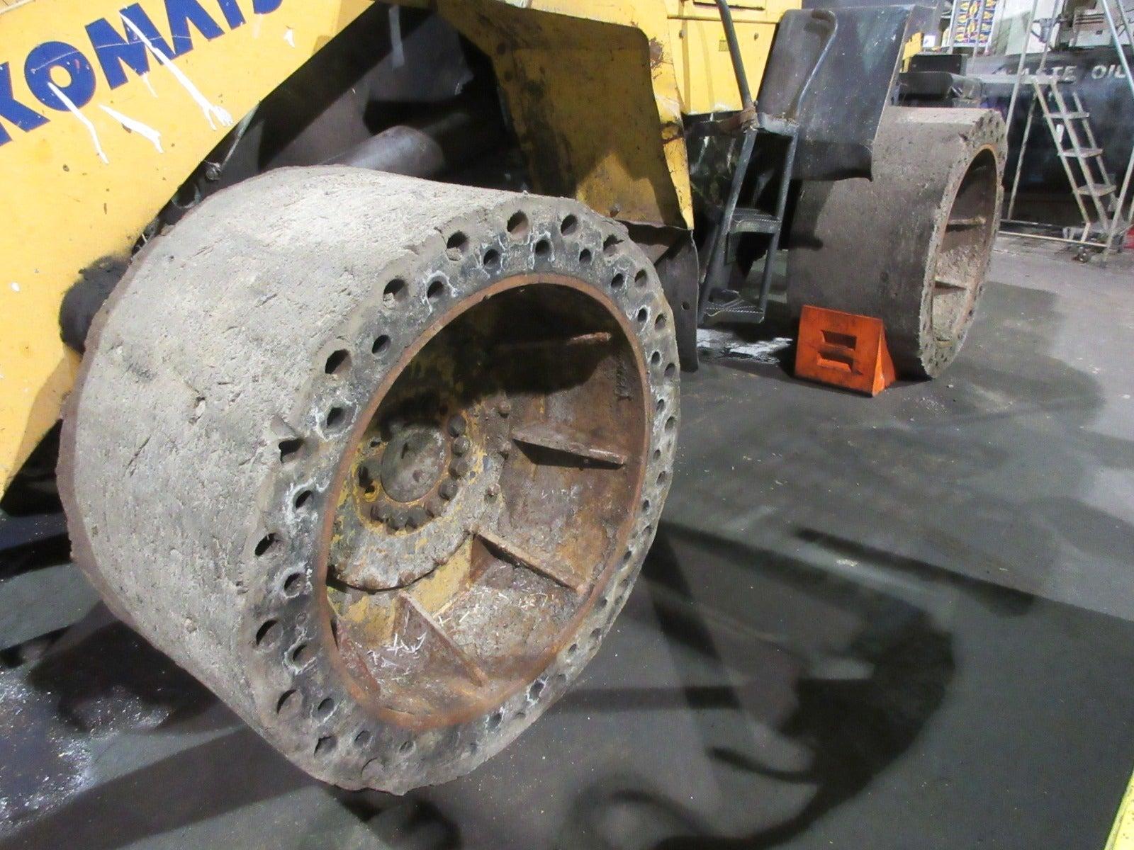 Komatsu WA320-5L Wheel Loader teardown machine photo 5