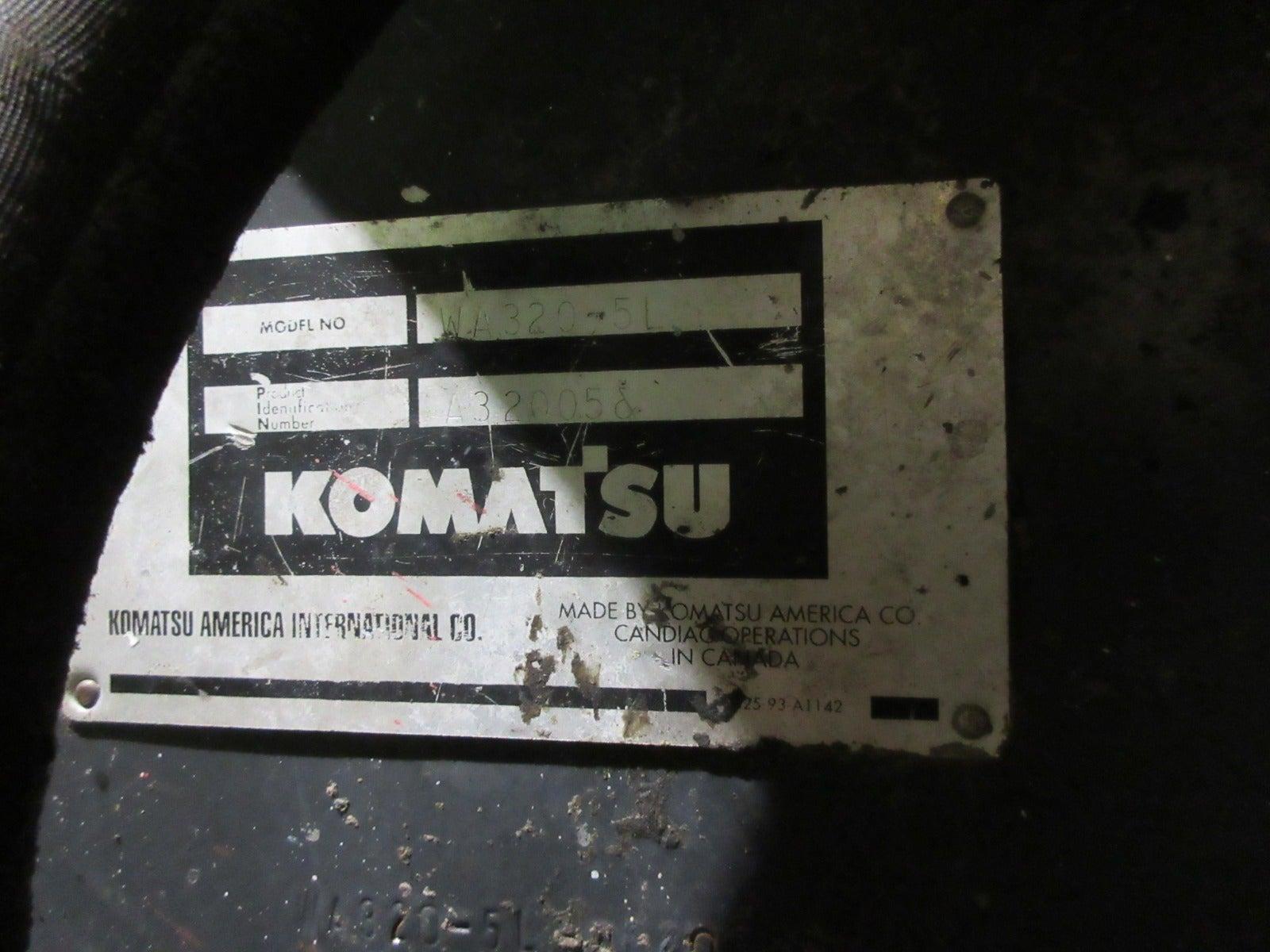 Komatsu WA320-5L Wheel Loader teardown machine photo 7