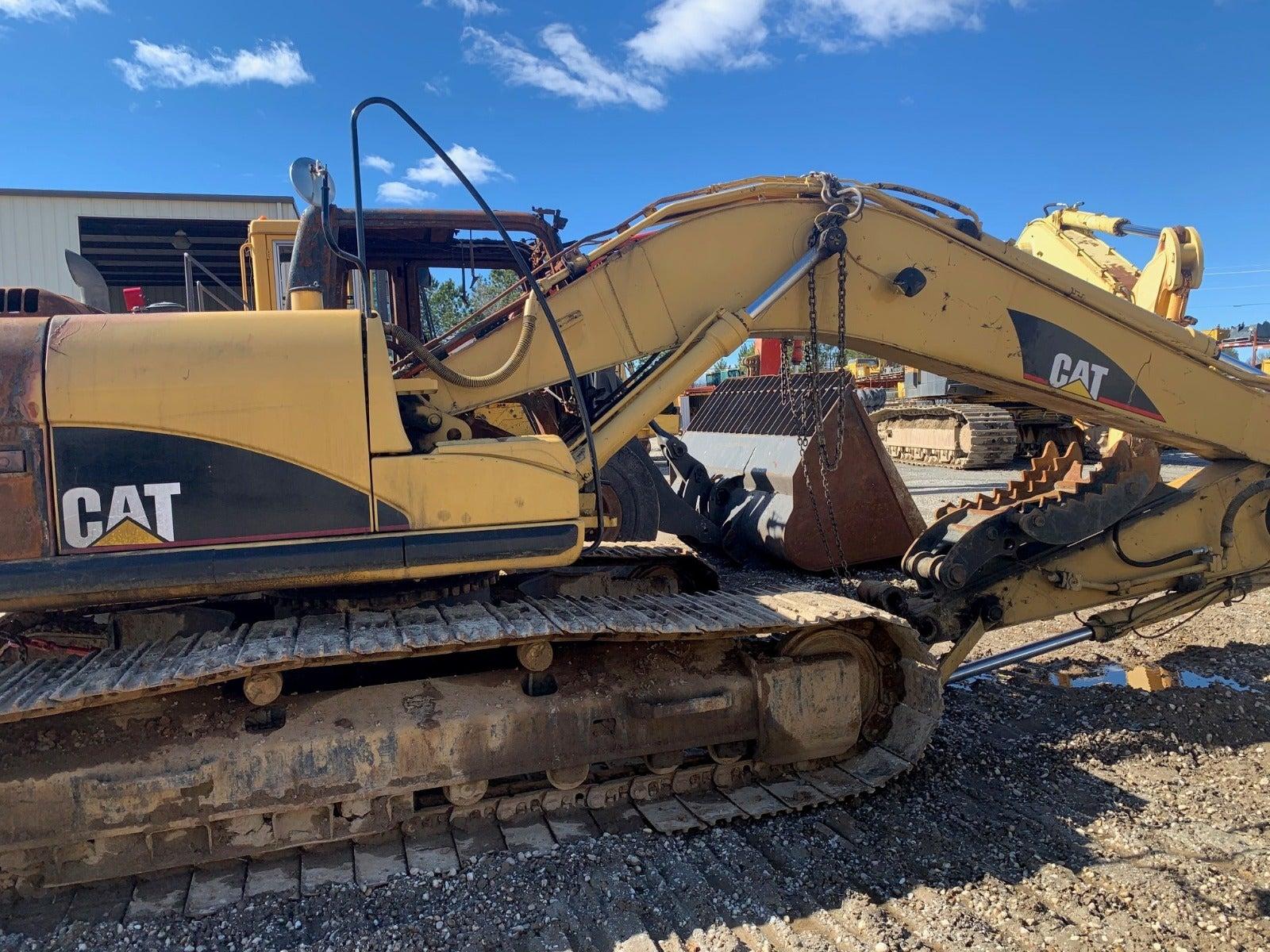 Salvaged 320D L Excavator